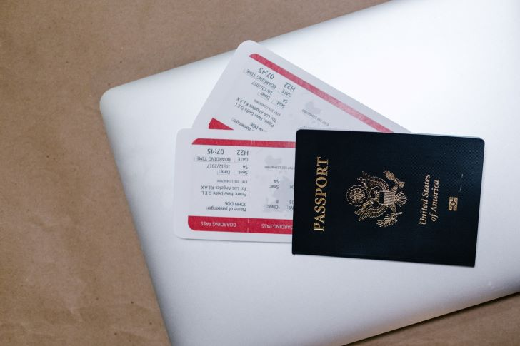 See Business Passport Photos of You on the Go